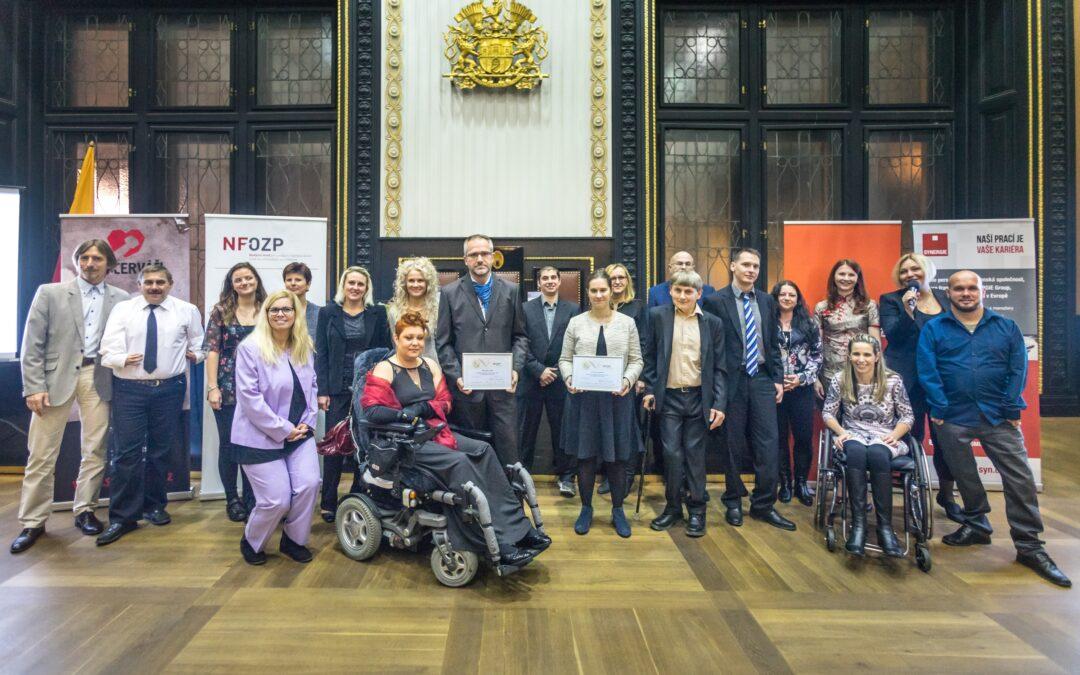 Přes svá postižení jsou vzorem pro ostatní. Nadační fond ocenil zdravotně postižené zaměstnance roku 2017
