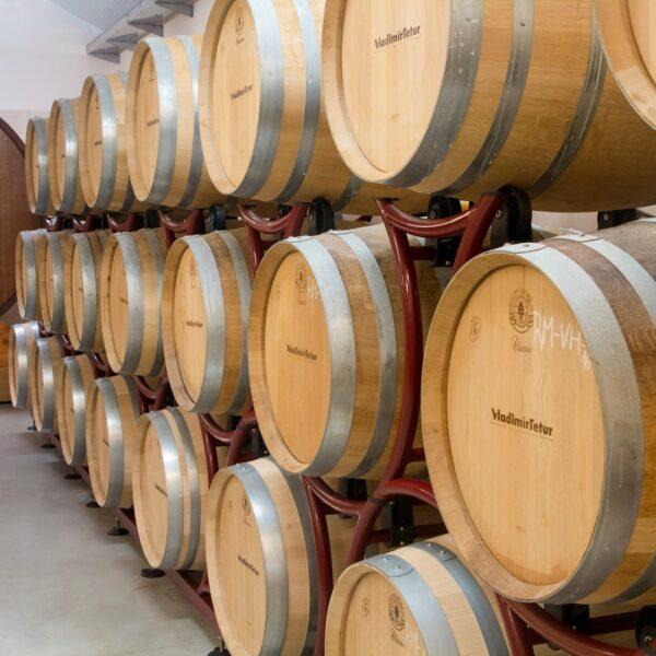 Zážitek - Den s vinařem ve sklepě i ve vinici pro 6 osob